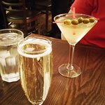 Prosecco, Dirty Martini - exterienced and good bartender