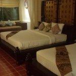 chambres lit double+lit simple vue sur piscine saline
