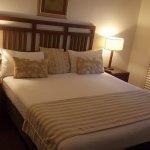 Very comfy huge bed!