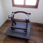 拷問用の椅子