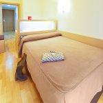 Habitación con cama de 1.35 cm