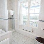bathroom in Yeats suite