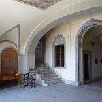 L'atrio della Mausolea di Partina