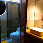 Private bathrooms at Caveheaven