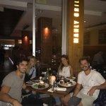 Cenamos frente a Manly Beach, muy agradable el sector de afuera