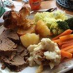 Sunday lunch @ Raffles tearooms
