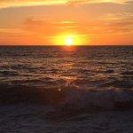 Photo de Playa de los Muertos