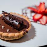The flavor and fondant of our chocolate tart / El sabor de pastel de chocolate de fusión