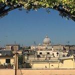 Ausblick auf den Petersdom von der Dachterrasse