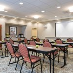 We feature 648 sq. ft. of meeting space