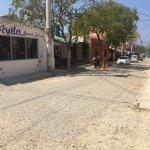 Calles del pueblo de Taganga, a dos cuadras de la playa