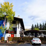 Photo de St. Moritz Lodge & Condominiums