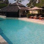 Photo de The Sunset Beach Resort & Spa, Taling Ngam