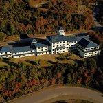 El hotel rodeado de bosques naturales