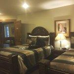 Noble House Suites Foto