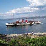 Paddle Steamer The Waverley visits Tarbert in Summer