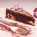 Meggyes-sajtkrémes brownie