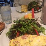 Photo de B & M Restaurant
