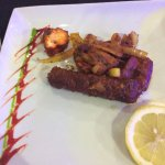 tandoori mix kebab starter (ordered without salad but with a chunk of lemon)