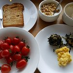 Simple healthy brekkie to start our day right :-)