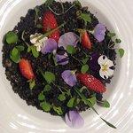 """dessert : """"le jardin de ....."""" à base de fraises"""
