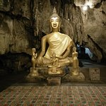 the main chamber where this large Buddha is located
