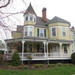 Photo de The Oaks Victorian Inn