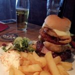 Ye Olde Cheshire Cheese Inn: huge farm house burger