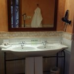 Photo de Sercotel Villa de Laguardia Hotel