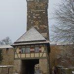la porta e la torre