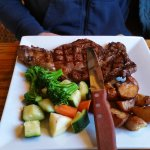 Amenia Steak House resmi