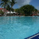 Très grande piscine , en 2 parties