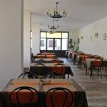 Photo de Hostal Tarba & Bloom Restaurant