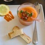 entrée: gaspacho melon, tomate et basilic ++