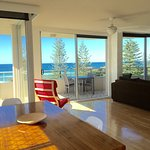 Panoramic Ocean View 2 Bedroom Apartment - Magnificent Ocean Views