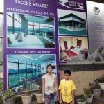 Photo de Hotel Tigers Roare'