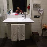 nice modern bathroom easily accessible in a wheelchair