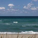Playa Hallandale vista desde el condominio The Tides