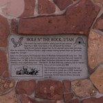 Hole 'N the Rock - plaque