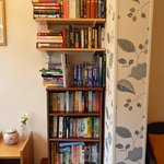 books and guide books for guests to use