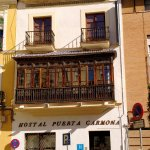 Photo de Hostal Puerta Carmona