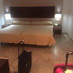 Dynastic Hotel Foto