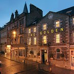 The Golden Lion Hotel is located right in the heart of Stirling just a short walk from the castl