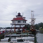 Drum Point Lighthouse at Calvert Marine Museum with the Maryland Dove visiting