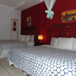 Double room (2 queen size beds)