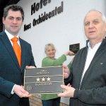 Übergabe 3-Sterne S von DEHHOGA an Geschäftsführer Hotel