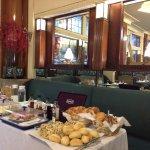 petit déjeuner dans le lobby