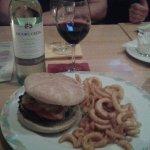 Sunshine Burger und Australischer Wein