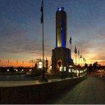 El amanecer en el Monumento a la Bandera Nacional
