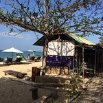 Beachfront & delicious food, cold beer